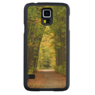 Light At The End Of A Tunnel Of Trees Carved® Maple Galaxy S5 Case