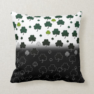 Light&dark shamrock pillow