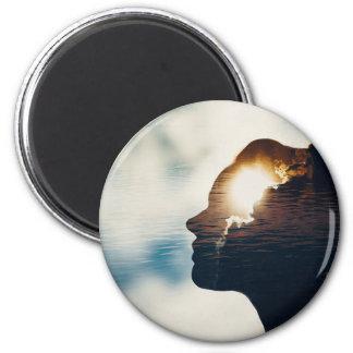 Light head magnet