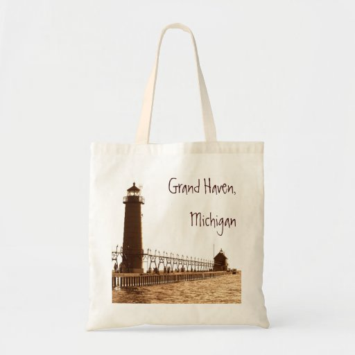 lighthouse, Grand Haven, Michigan Budget Tote Bag