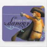 Ligo con el peligro (el color) tapetes de ratón