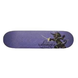 Ligo con peligro tabla de patinar