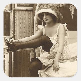 Ligón del francés - chica modelo del vintage calcomania cuadradas personalizadas