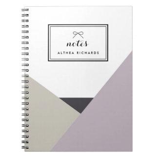 Lila del Althea y cuaderno personalizado gris