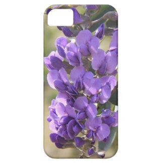 Lila floreciente, caso floral del iPhone de la Funda Para iPhone 5 Barely There