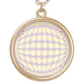 Lila media/diseño amarillo claro del globo del collar dorado