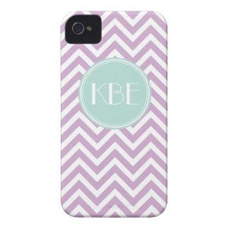 Lila púrpura y monograma del personalizado de Chev iPhone 4 Case-Mate Cárcasa