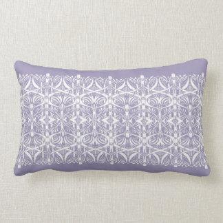 Lila y almohada blanca del modelo de Nouveau