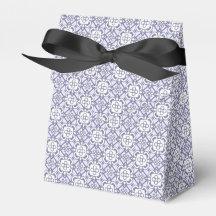 Lilac elegant vintage pattern party favor box