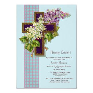 Lilas e invitación de Pascua del crucifijo