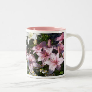 Lillies rosado taza dos tonos
