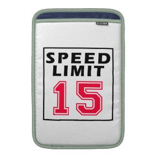 Límite de velocidad 15 diseños del cumpleaños funda  MacBook