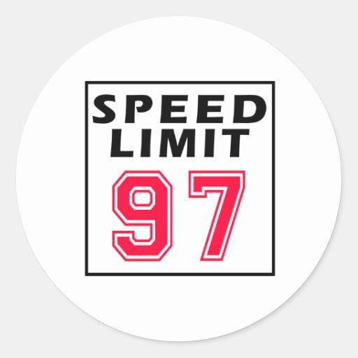 Límite de velocidad 97 diseños del cumpleaños pegatina redonda