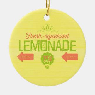 Limonada exprimida fresca ornamento para arbol de navidad