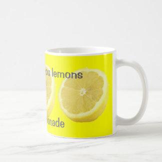 Limonada - si la vida le da consejo de los limones taza básica blanca