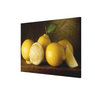 limones en la madera lienzo envuelto para galerias