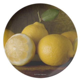 limones en la madera platos de comidas