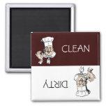 Limpie al cocinero sucio con el lavaplatos del gor imanes
