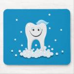 Limpie el diente feliz con el mousepad de las burb alfombrilla de ratón