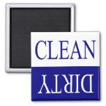 Limpie el imán sucio-azul del lavaplatos
