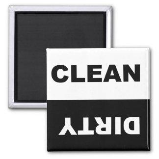 Limpie el imán sucio del lavaplatos