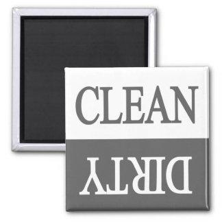 Limpie el imán sucio-gris del lavaplatos