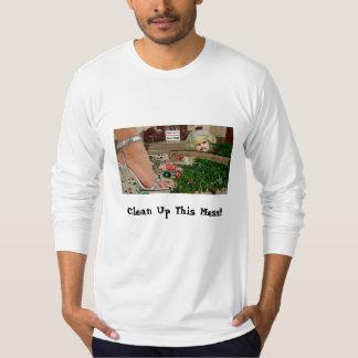¡Limpie este lío!!! Camiseta del navidad