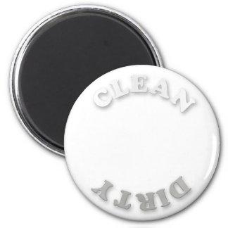 Limpie/imán blanco y gris sucio del lavaplatos