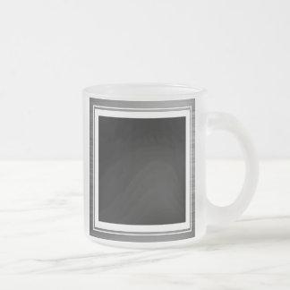 Limpie la frontera metálica de plata del borde taza de café