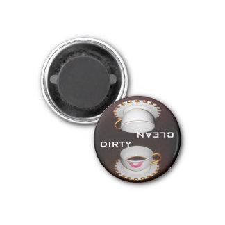 Limpie la muestra sucia del lavaplatos imán de nevera