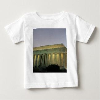 Lincoln Memeorial night scene Baby T-Shirt