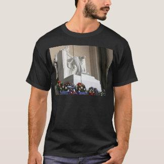 lincoln memorial Lincoln Status T-Shirt
