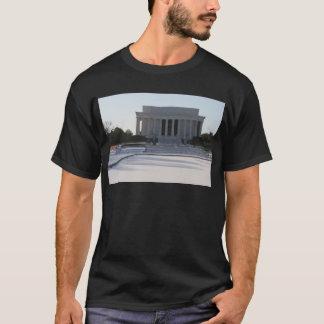 lincoln memorial snow T-Shirt