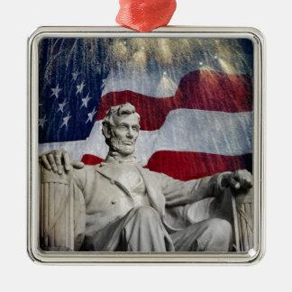 Lincoln y fuegos artificiales adorno cuadrado plateado