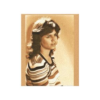 Linda en la edad 20 impresión en lienzo