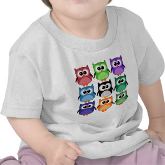 ¡Lindo! - Arco iris de búhos coloridos Camiseta