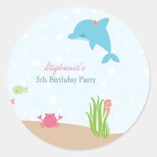 Lindo bajo pegatinas de la fiesta de cumpleaños de pegatina redonda