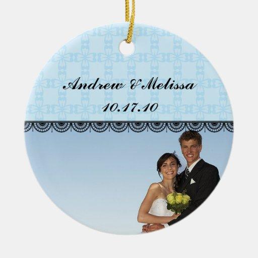 Lindo casado; Nuestro primer navidad Adorno Redondo De Cerámica