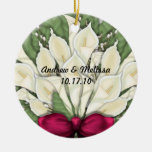 Lindo casó nuestro primer navidad adorno redondo de cerámica