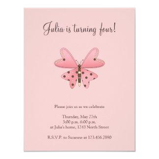 Lindo como insecto · Rosa y mariposa de Brown Invitación 10,8 X 13,9 Cm