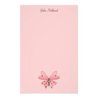 Lindo como insecto · Rosa y mariposa de Brown Papeleria Personalizada