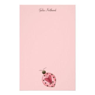 Lindo como insecto · Rosa y mariquita de Brown Papelería Personalizada