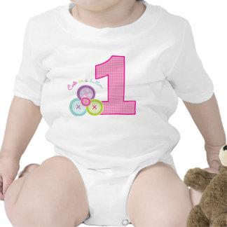 Lindo como primera camisa del cumpleaños del botón