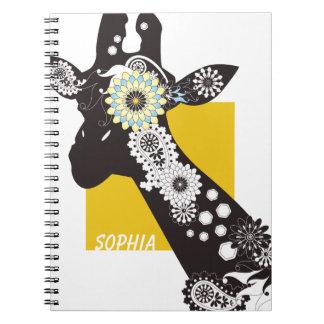Lindo divertido de la jirafa fresca enrrollada de cuaderno