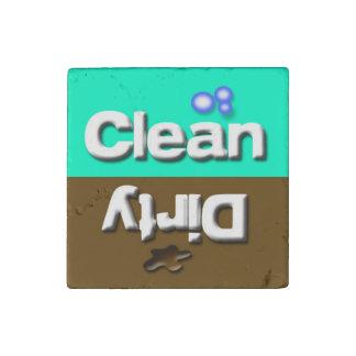 Lindo limpie/los platos sucios de la cocina del imán de piedra