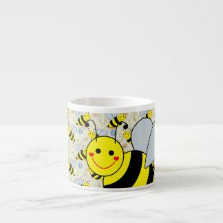 Lindo manosee la abeja taza espresso