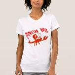 Lindo pellizqúeme camiseta de los cangrejos de los