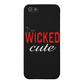 Lindo travieso con el gorra negro de la bruja iPhone 5 carcasas