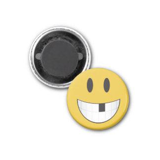 Lindo y minúsculo mi 1r emoji que falta del diente imán redondo 3 cm