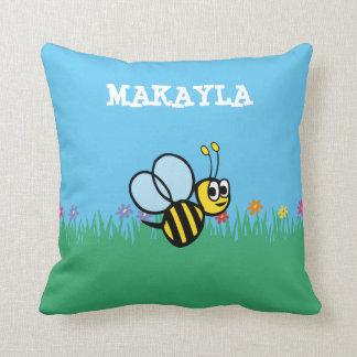 Lindos personalizada manosean la abeja en jardín cojín